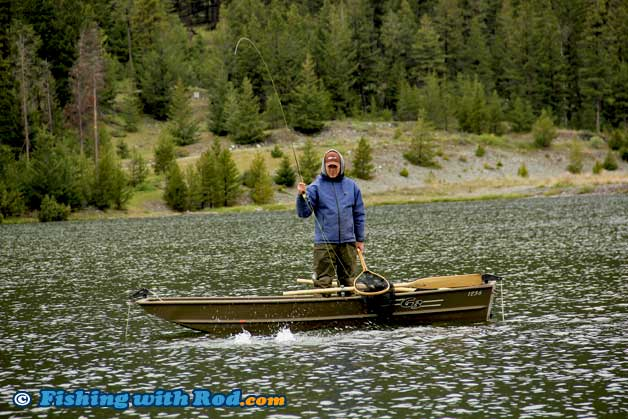Trout in lakes fishing in bc fishing with rod for Best bait for lake fishing