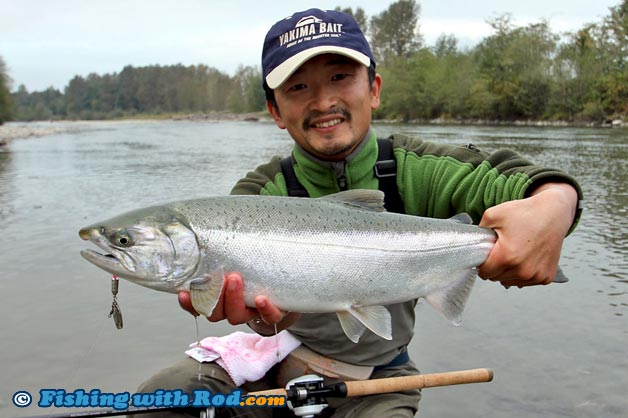 Float fishing with a spinner fishing with rod for Best bait for salmon fishing in the river